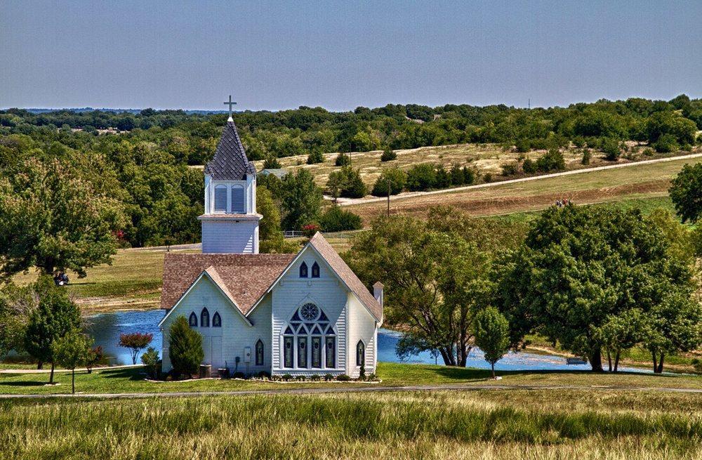 Willowood Ranch: 3803 Ward Neal Rd, Bells, TX