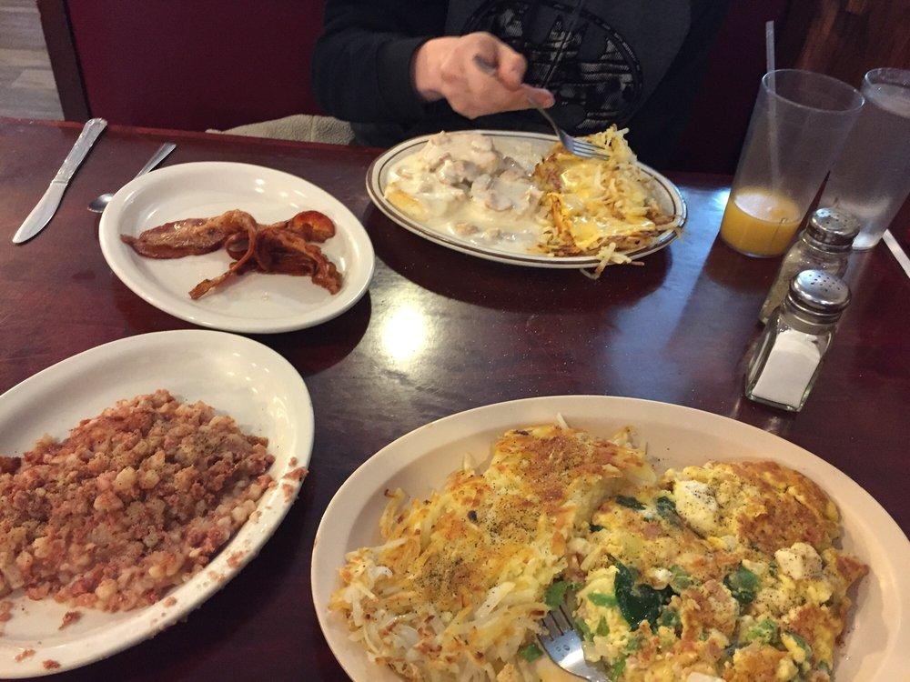 Jefferson Cafe: 339 E Racine St, Jefferson, WI