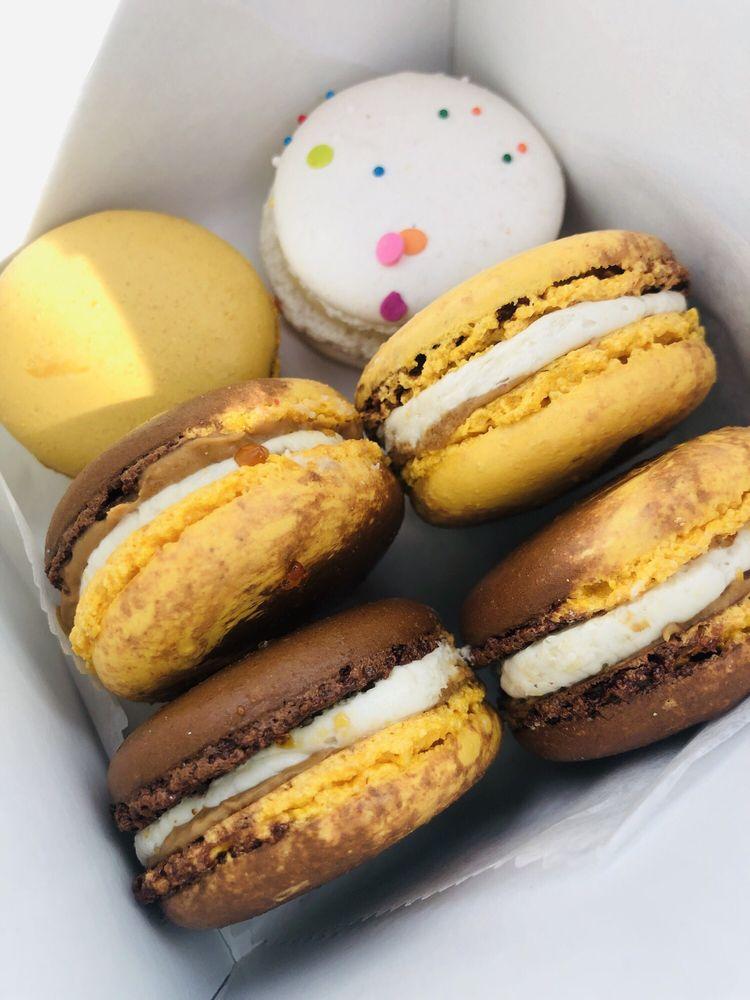 Hummingbird Macarons & Desserts: 265 W Tazewell St, Norfolk, VA