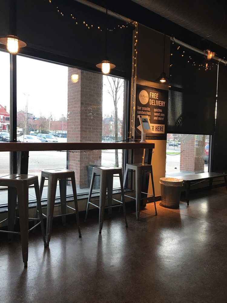 The Growler House: 1526 Madison Rd, Cincinnati, OH