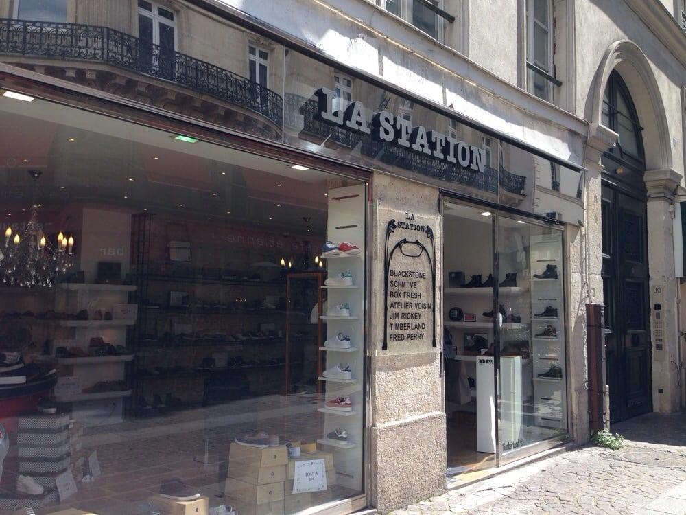 la station magasins de chaussures 30 rue pierre lescot. Black Bedroom Furniture Sets. Home Design Ideas