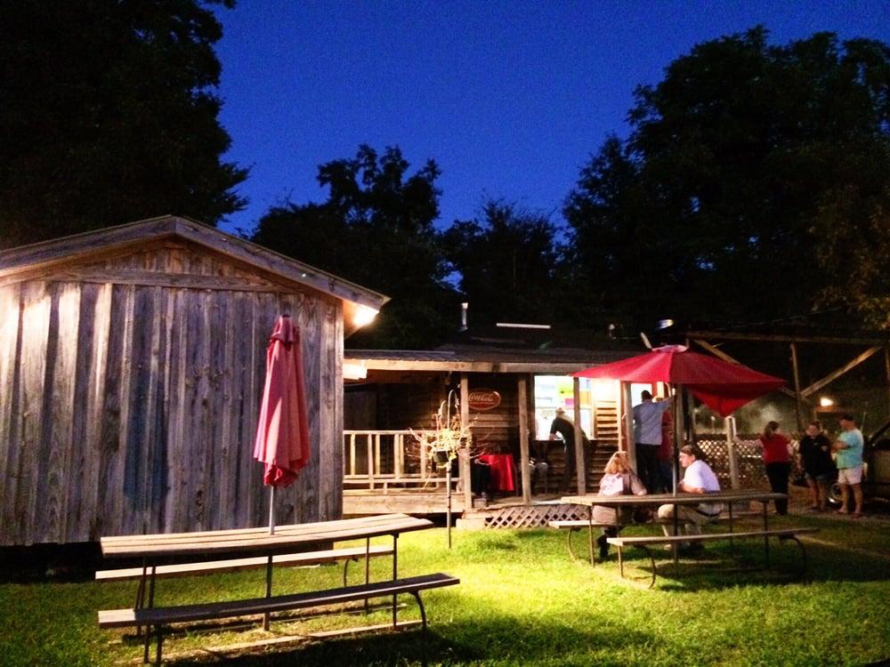 Sonny's Smokehouse: 8936 Ms Highway 15, Ackerman, MS