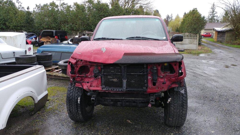 Vavra Auto Body: 411 Nooksack Ave, Nooksack, WA
