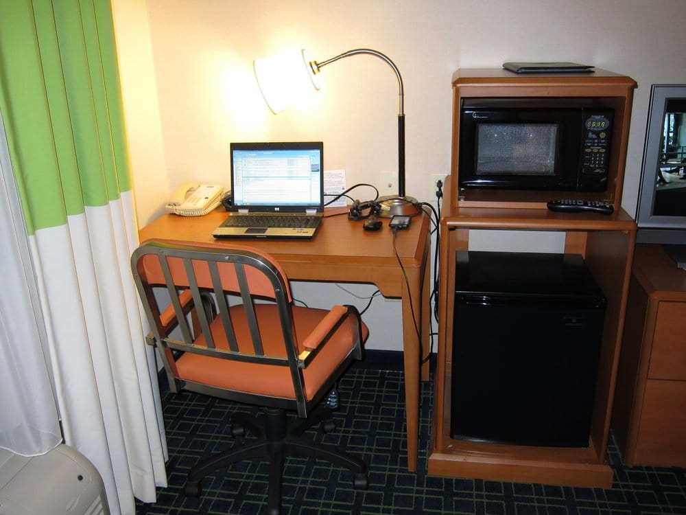 Fairfield Inn & Suites: 2815 Westside Dr NW, Cleveland, TN