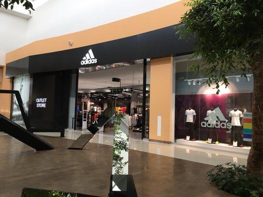 63dbaaef Adidas Outlet - Ropa deportiva - Autopista Mexico-Puebla Km. 115 ...