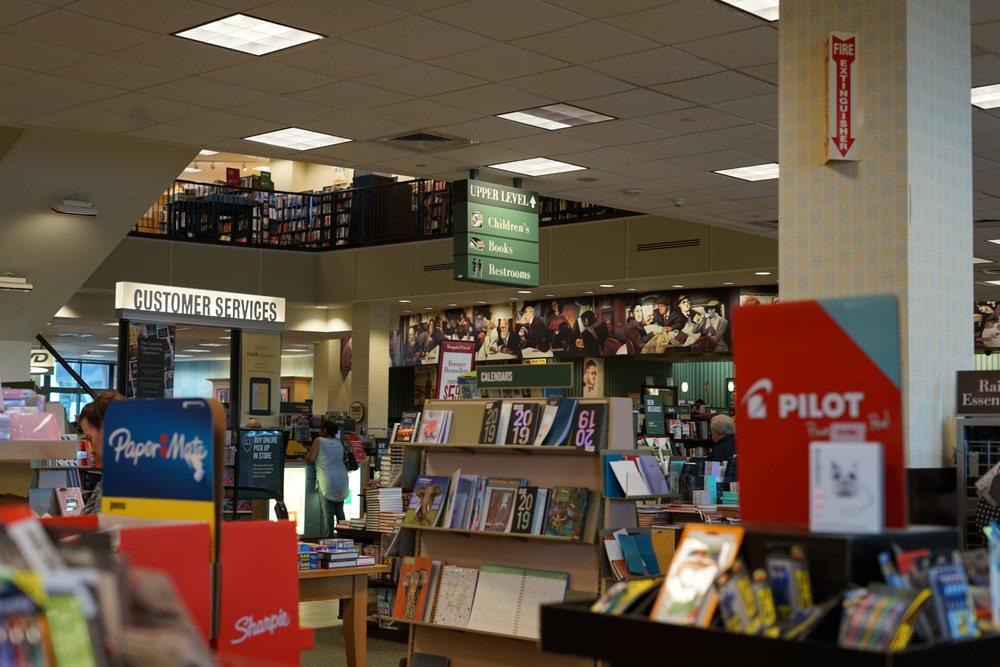 Barnes & Noble: 600 Smith Haven Mall, Lake Grove, NY