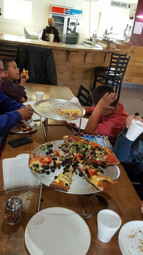 The Pie Pizzeria Sierra Village: 24943 State Hwy 108, Mi-Wuk Village, CA