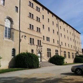 Auberge de jeunesse centre pierre cardinal auberges de for Centre francais du commerce exterieur