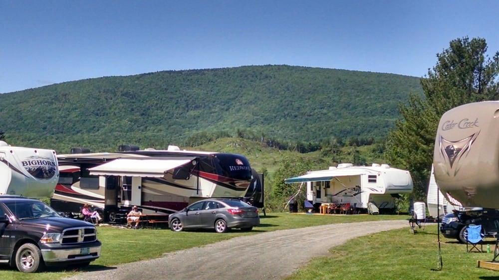 Tree Corners Family Campground: 3540 Route 14, Irasburg, VT