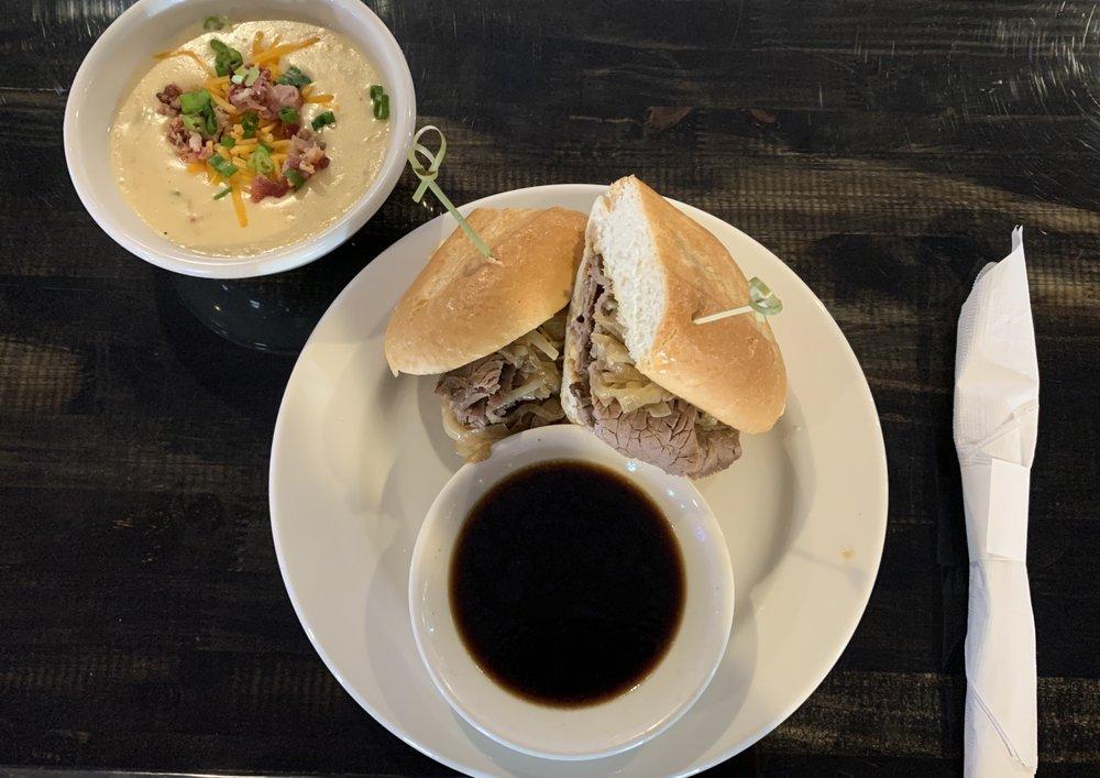Barterhouse Bar & Grill: 458 Nathan Dean Pkwy, Rockmart, GA