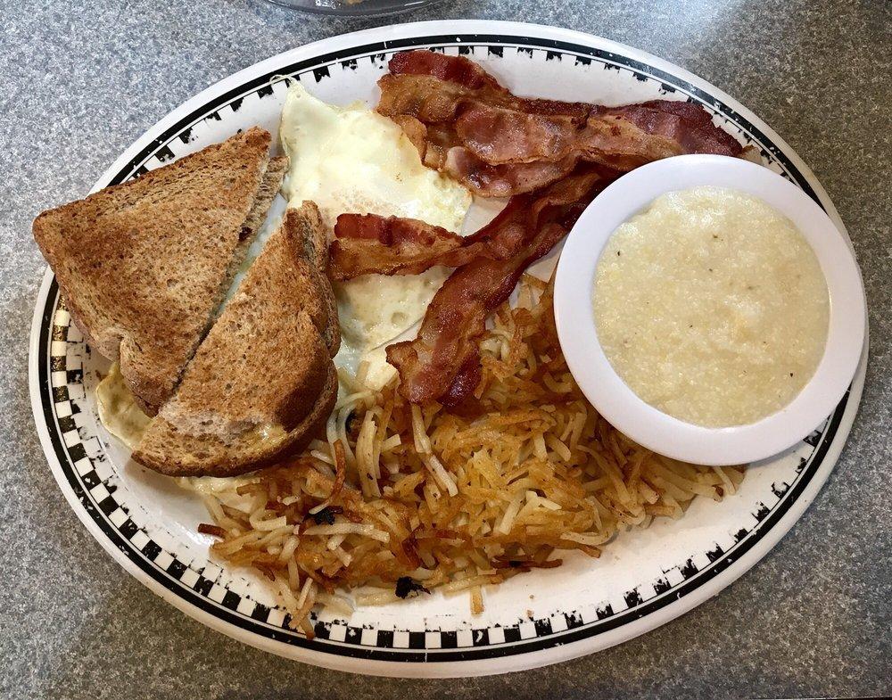 Carolina's Diner: 10102 S Main St, High Point, NC