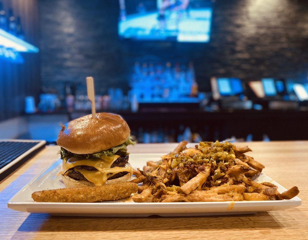Horseshoe Burger Company: 1349 Park Ave W, Ontario, OH