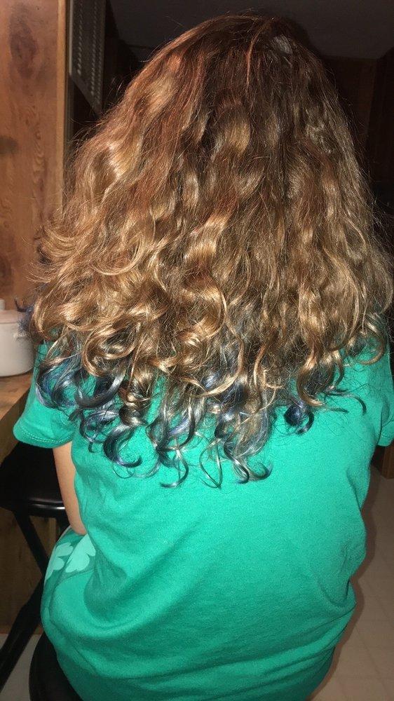 Hair Corral: 3090 John Wayland Hwy, Dayton, VA