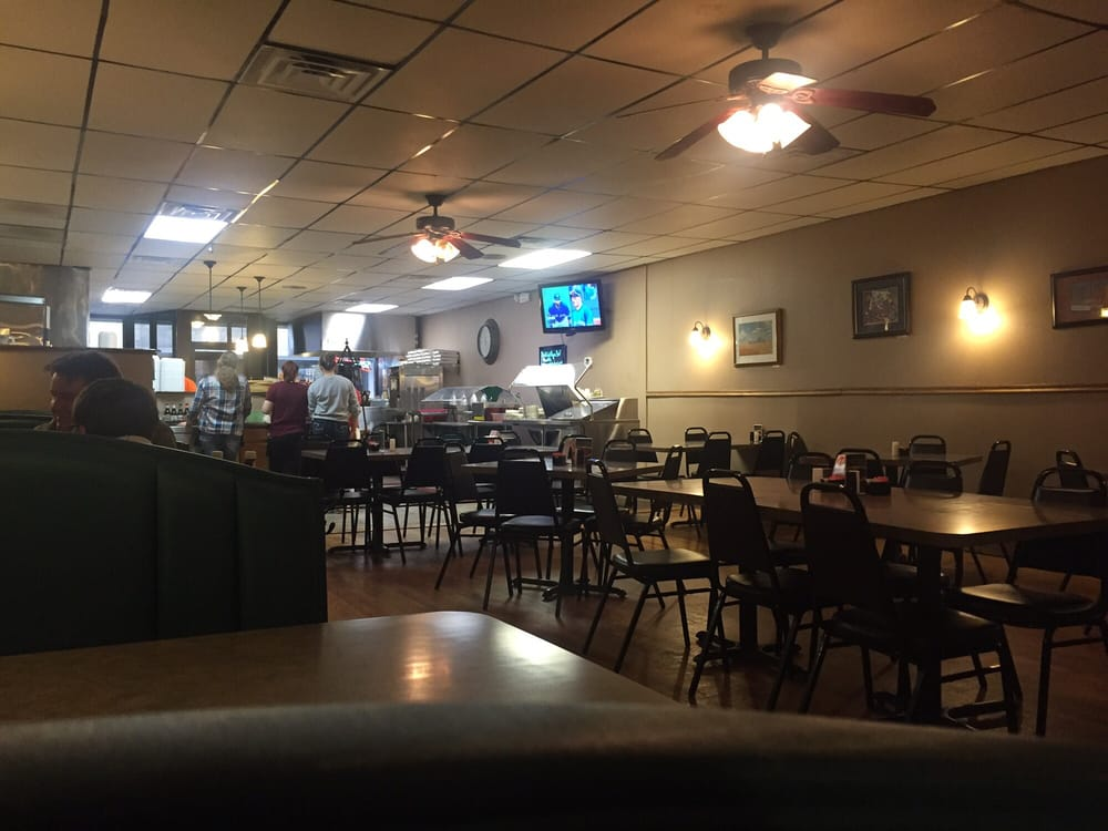 A & G Steakhouse: 1618 Stone St, Falls City, NE