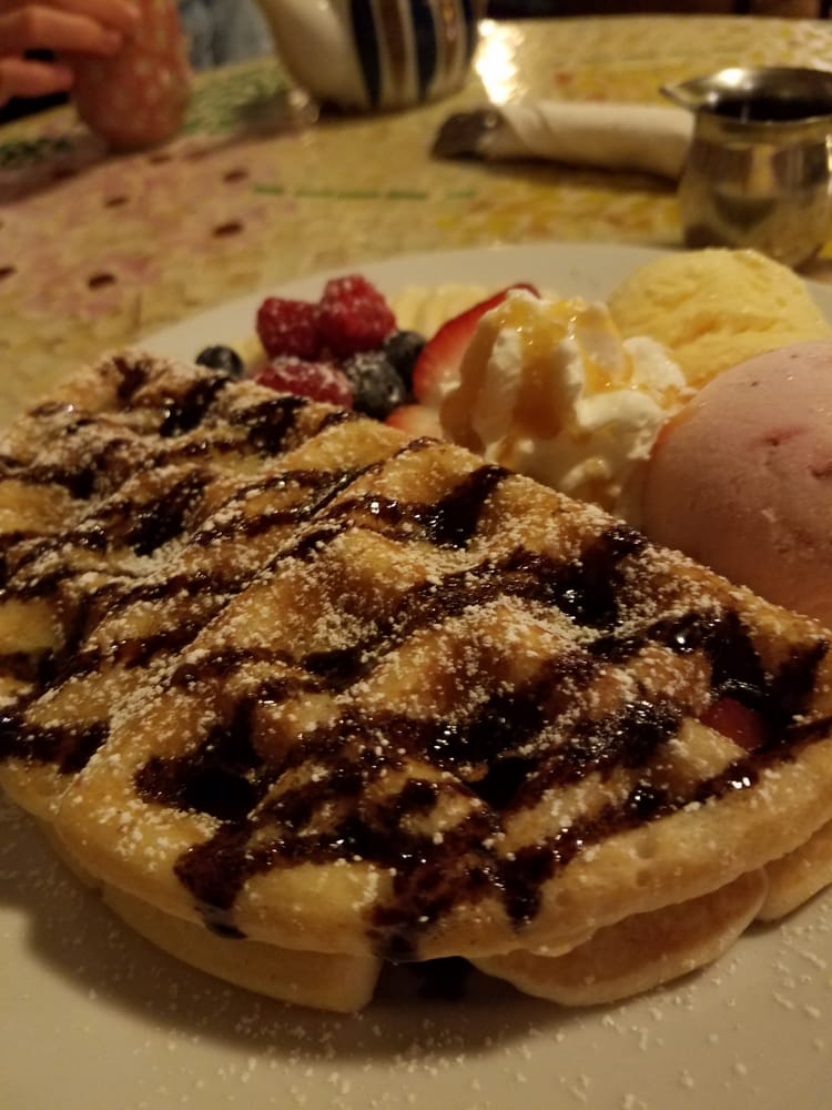 Waffle With Ice Cream And Fruit