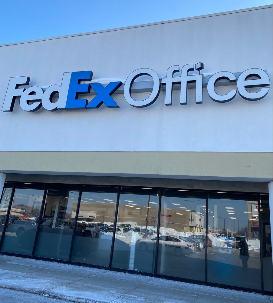 FedEx Office Print & Ship Center: 4710 W 95th St, Oak Lawn, IL
