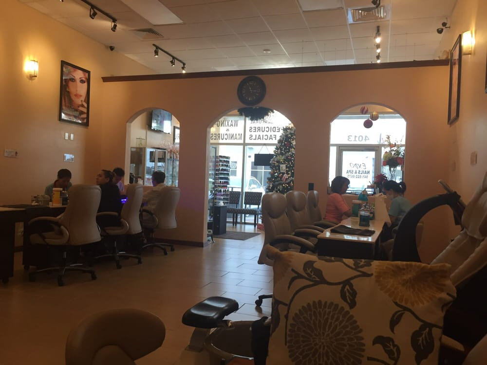 Expo nails spa 15 reviews nail salons 4013 clark for Ab nail salon sarasota