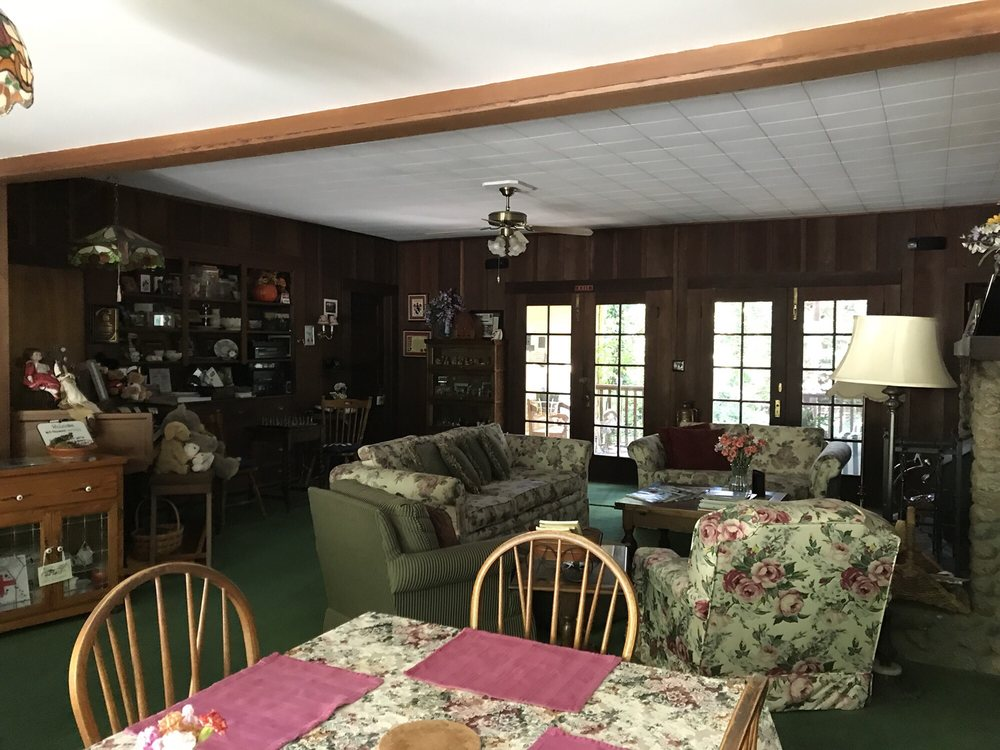 Fairview Manor Bed & Breakfast Inn: 245 Fairview Ave, Ben Lomond, CA