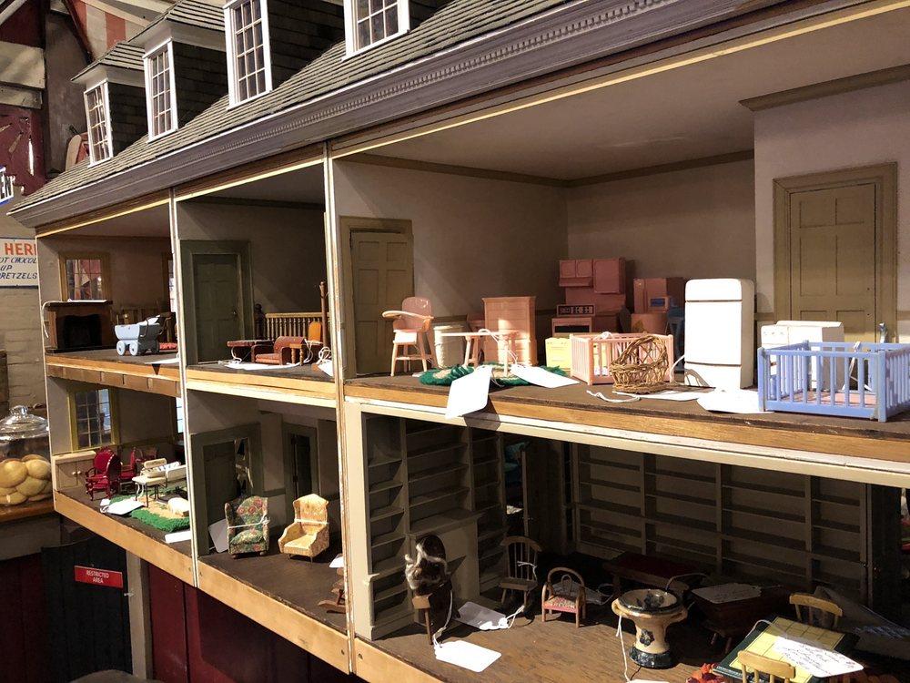 Bootleg Antiques: 135 Bridge St, Columbia, PA