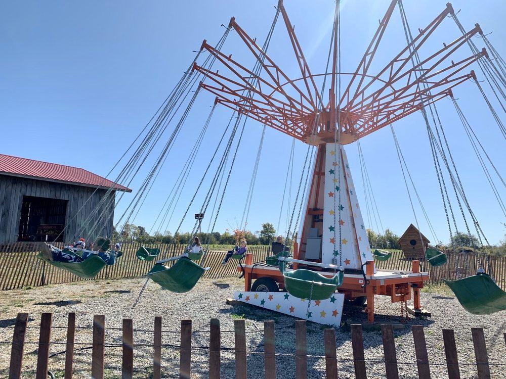 Lark Ranch: 3145 Killion Mill Rd, Loogootee, IN