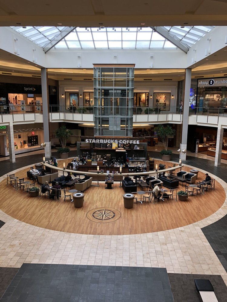 Mall at Robinson PA