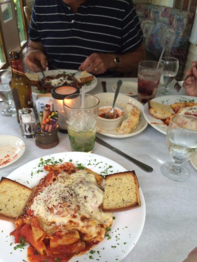 Villaggios 13 photos 28 reviews pizza 4240 for Fish creek wi restaurants