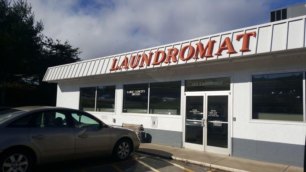 J & D Coin Laundry: 1899 Brevard Rd, Arden, NC