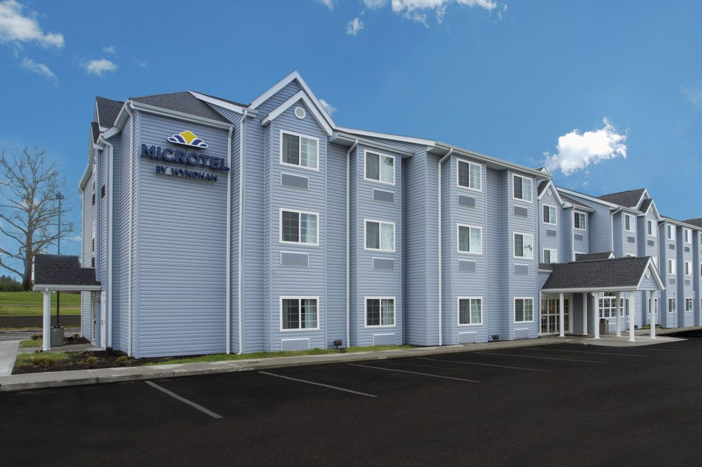 Microtel Inn & Suites by Wyndham Caldwell: 44266 Fairground Road, Caldwell, OH
