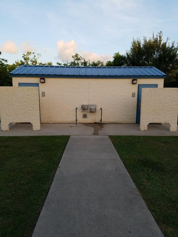 Centennial Park: 3219 McLean Rd, Pearland, TX