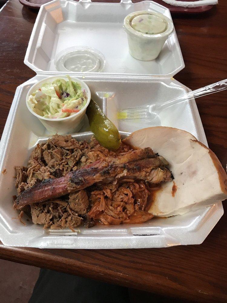 Alamo Bbq: 818 W Broadway St, Princeton, IN