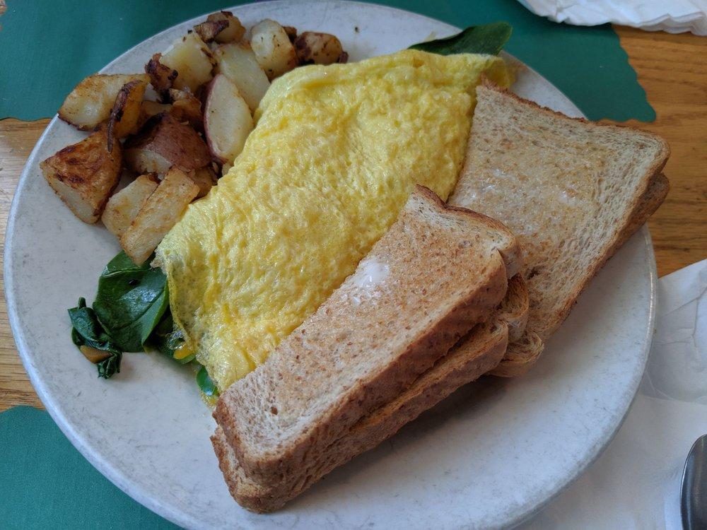 Common Place Eatery: 11 Main St, Bennington, NH