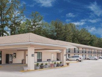 Days Inn by Wyndham Newton: 261 Eastside Drive, Newton, MS
