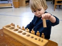 Little Hands Montessori Preschool: 304 NW Elm St, Grants Pass, OR