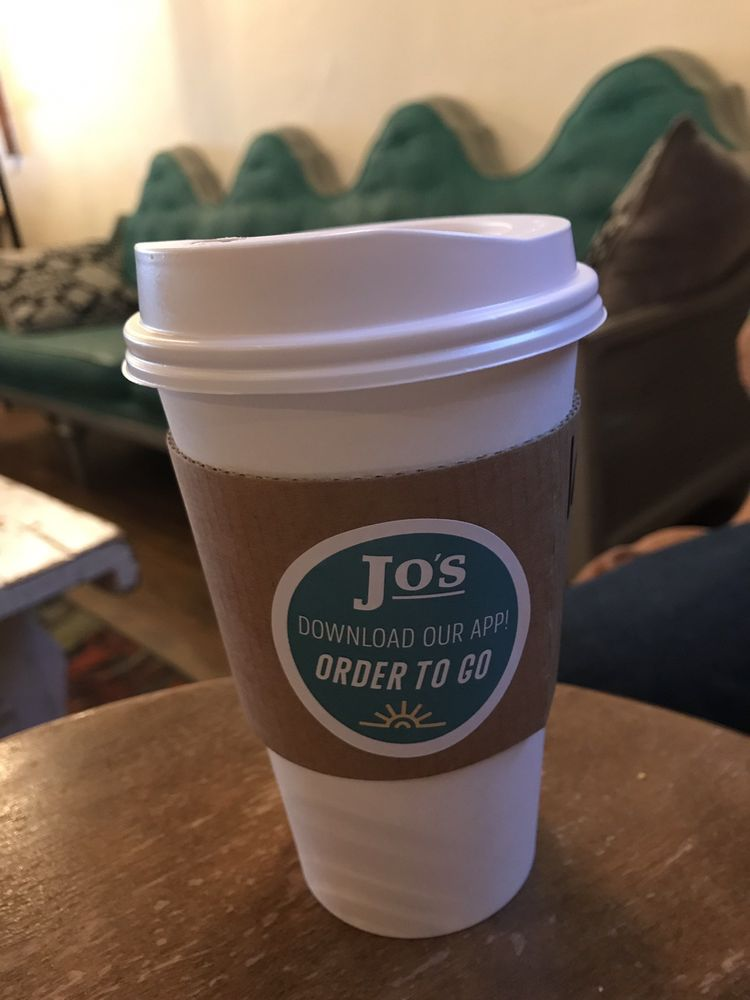 Jo's Downtown: 102 N Jefferson Ave, Mount Pleasant, TX