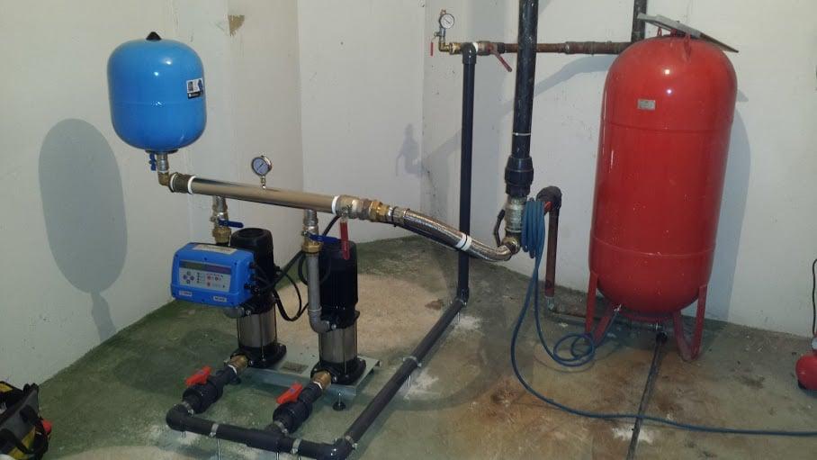 Fontaner a instalacion y mantenimiento de grupos de for Grupo de presion de agua para edificios