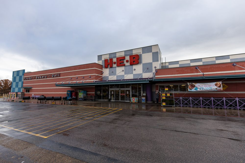 H-E-B Store: 1207 E Main St, Gatesville, TX