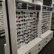 76412511bec6 Bloomingdale s Outlet - Liberty Place - 47 Photos   19 Reviews ...