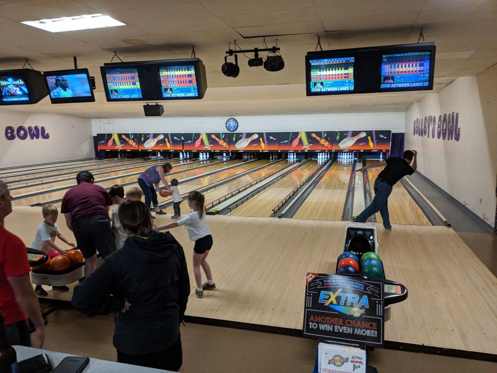Kelley's Bowl: 2705 Cleveland Ave, Saint Joseph, MI