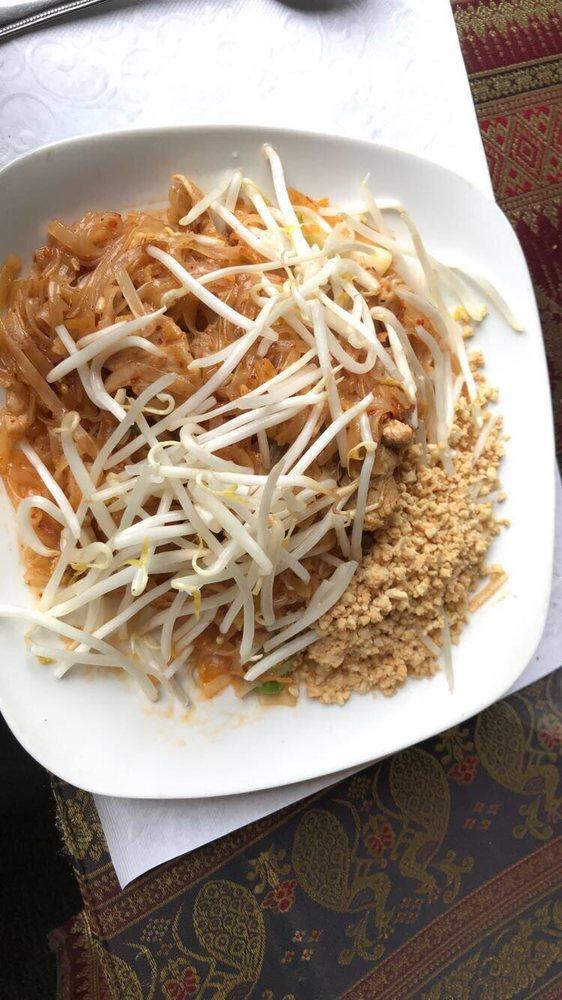 Andaman Healthy Thai Cuisine: 313 N Mt Shasta Blvd, Mount Shasta, CA