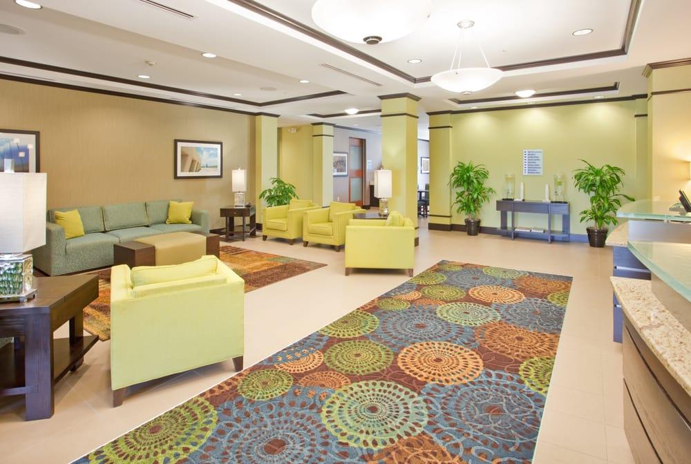 Holiday Inn Express & Suites St. Joseph: 3600 Village Dr, St. Joseph, MO