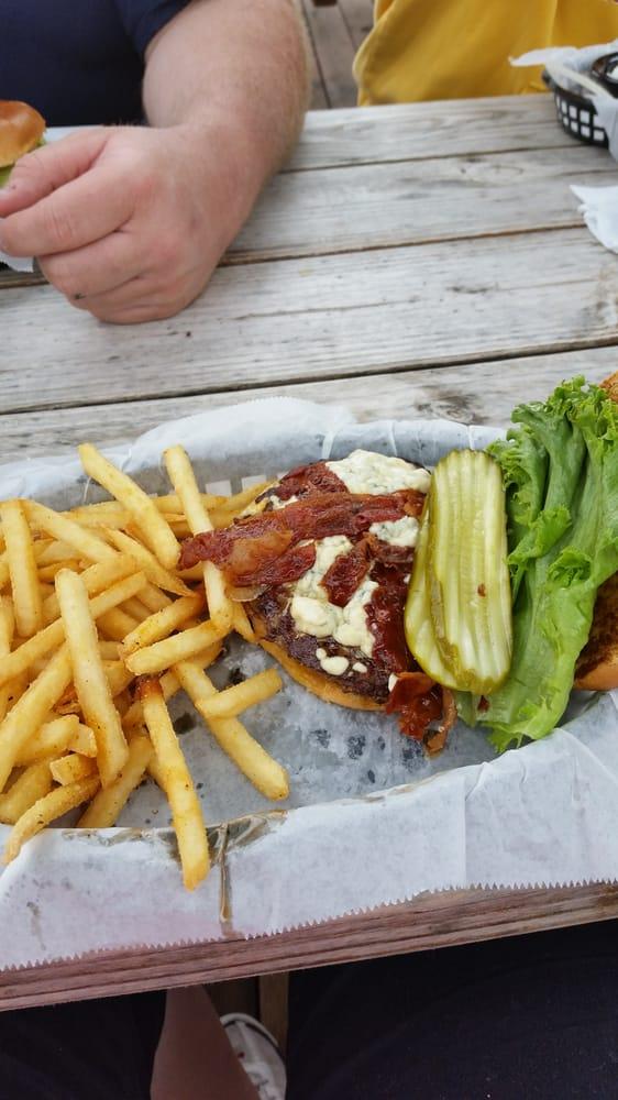 Blondies Burger Bar: 1255 Bagnell Dam Blvd, Lake Ozark, MO