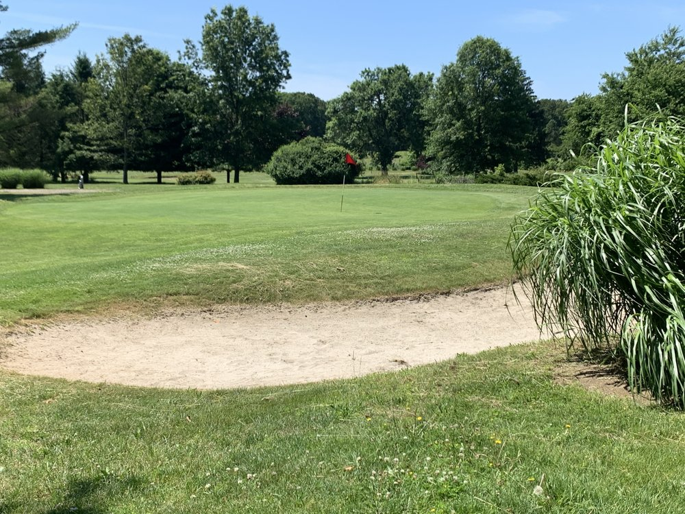 Old Orchard Country Club: 54 Monmouth Rd, Eatontown, NJ