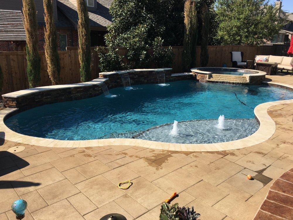 Blue Gecko Pools: 5 W Sharon Dr, Krum, TX