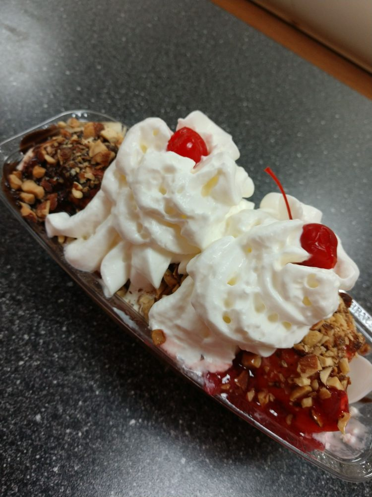 Food from Braum's Ice Cream and Dairy Store