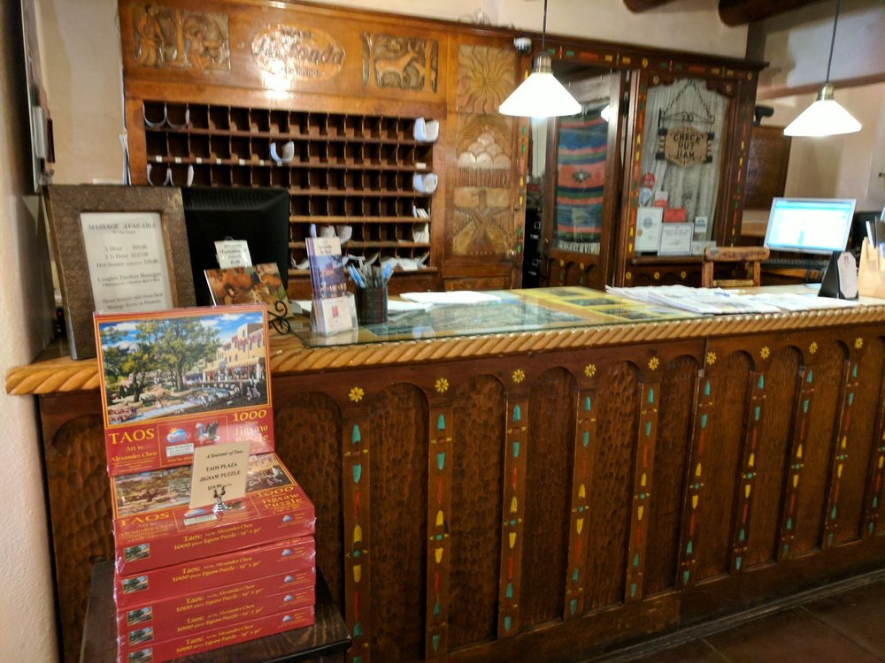 Hotel La Fonda De Taos: 108 South Plz, Taos, NM