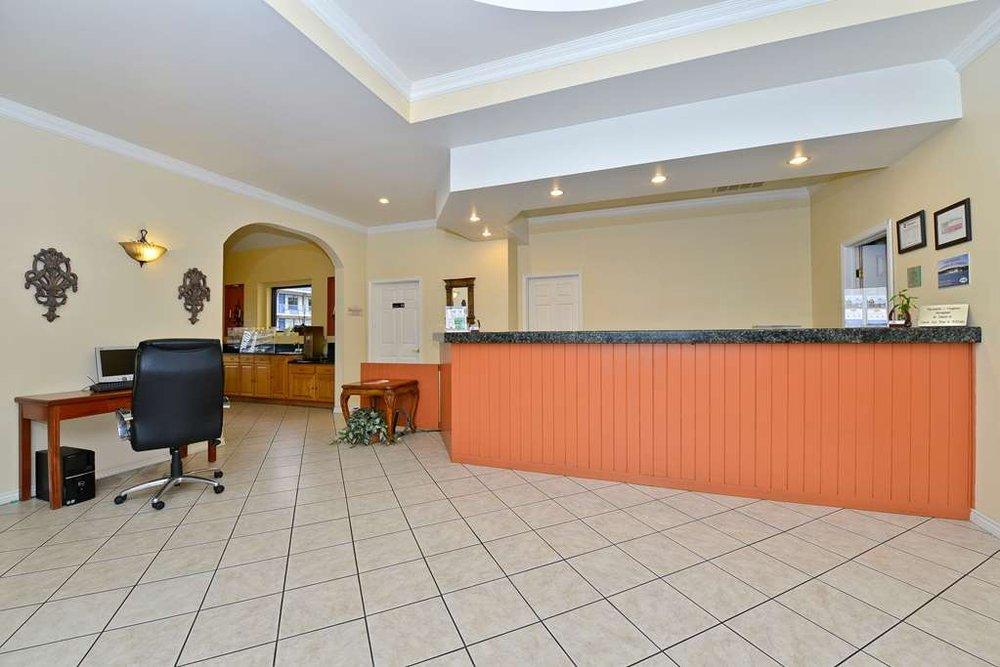 Americas Best Value Inn Hillsboro: 307 I-35 HWY NW, Hillsboro, TX