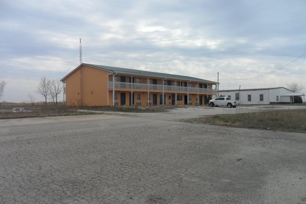 Sportsman Inn Motel Kansas: 4265 US 75 Hwy, Neodesha, KS