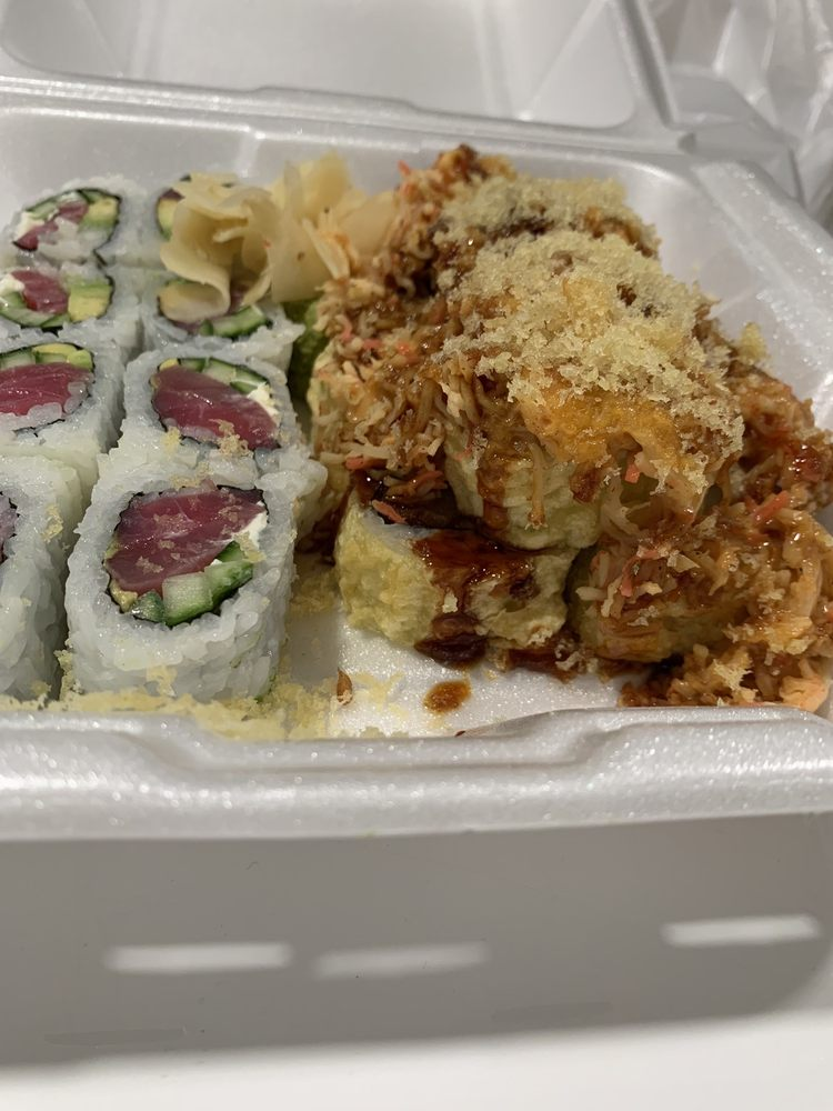 Food from Rock N Roll Sushi