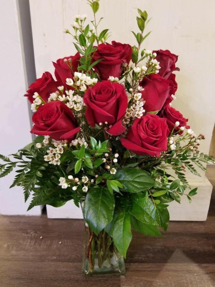 Fresh Flowers by Fine Things: 205 1st Ave W, Newton, IA