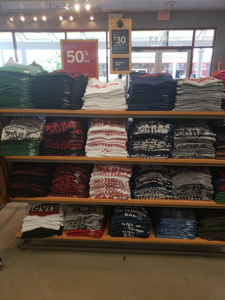 Levi's Outlet Store: Leesburg Premium Outlets, Leesburg, VA